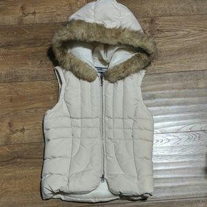 Bebe vest with fir hood